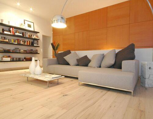 家居地板护理技巧 十年装修依旧如新