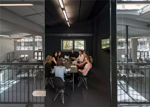 如果给你一个大仓库做办公室,你会装修成什么样?