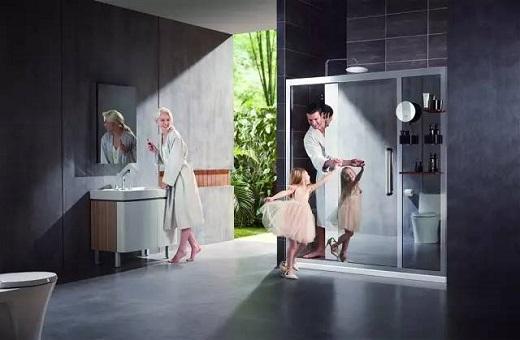 淋浴房玻璃清理难忍费时又费力!快戳进来看看这位中山姑娘是怎么做的...