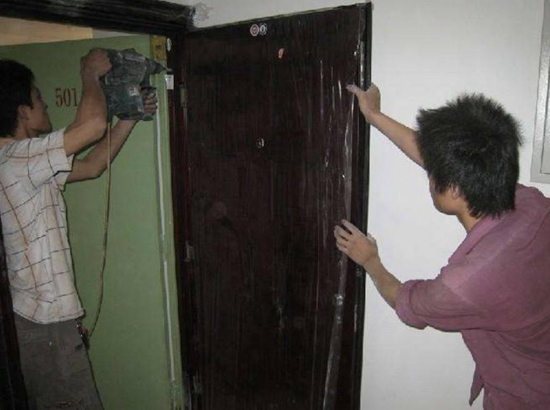 新房防盗门要不要换?十个人有十个答案,来听听内行师傅怎么说