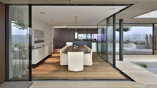 中国门窗品牌窥视:门窗面积越来越大,别墅安装新风向?