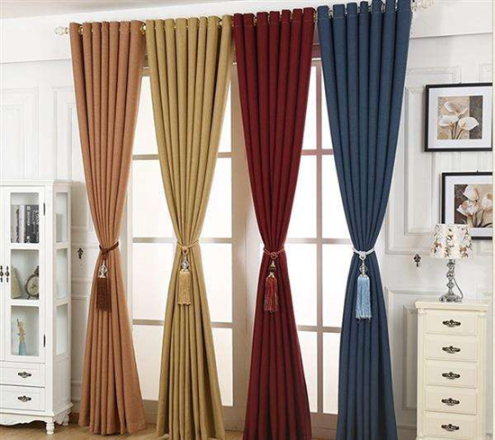 窗帘清洁和维护的主要方法大全,学会更省心