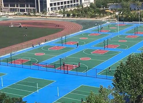 塑胶跑道材料厂家解析硅PU球场的环保特色