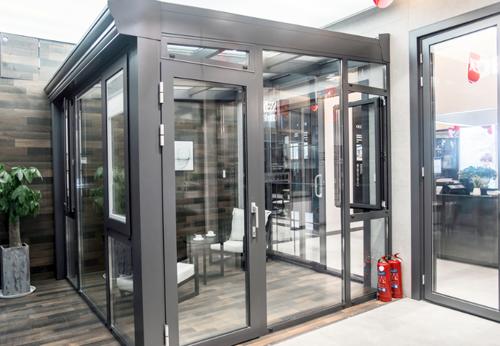 十大铝合金门窗品牌提升行业创新能力领军市场发展