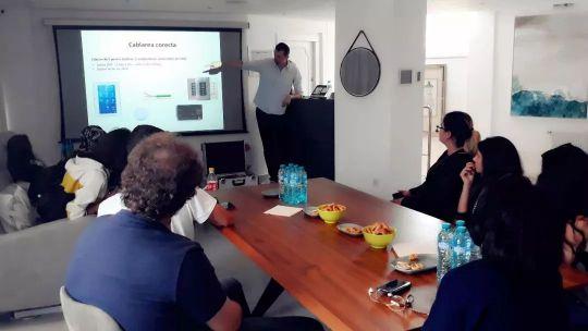 HDL罗马尼亚团队举办关于智能家居技术的演讲活动