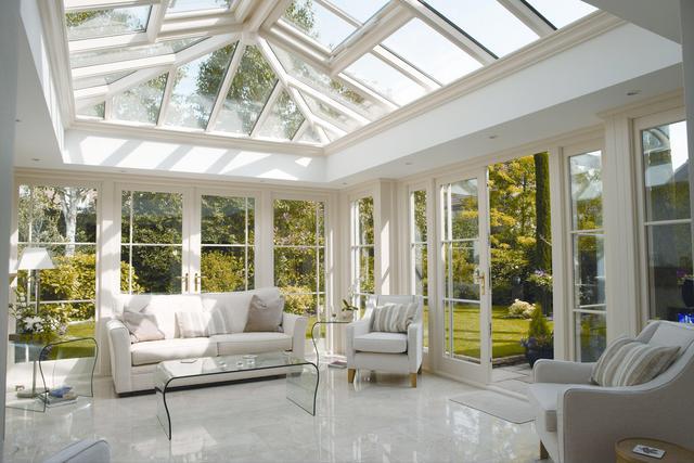 阳光房一般用什么做屋顶?哪种材料性价比高?