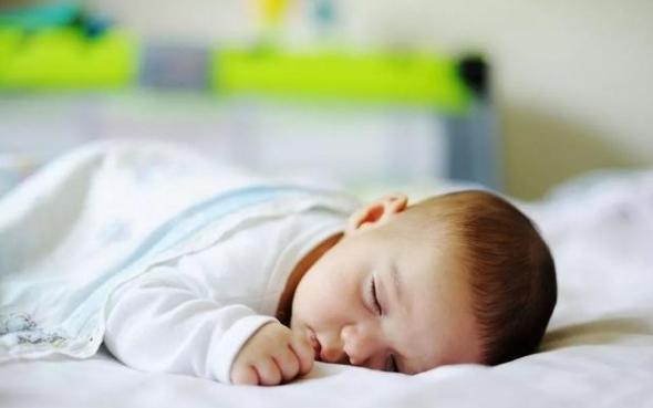 让自己的宝宝清凉度过一夏,究竟把空调调至几度才恰当?