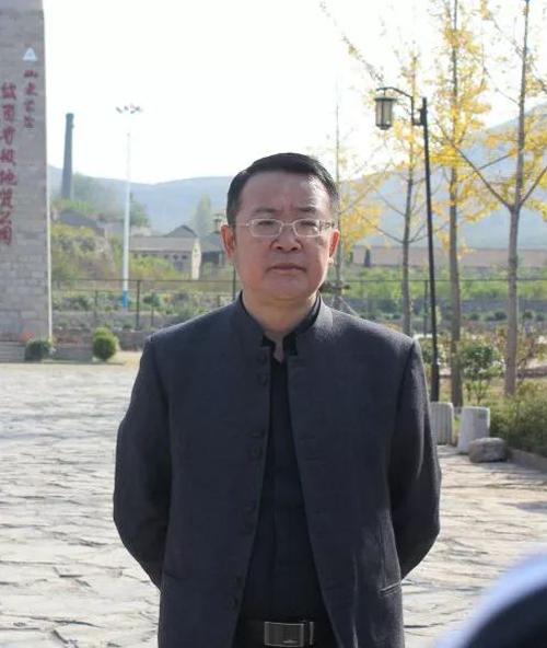 商家大佬刘明贤:木林森绝对是匹黑马!