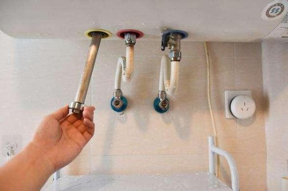 热水器用久了水变脏,学会自己清洗,每年省下不少钱